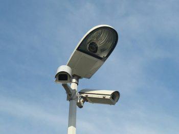 outdoor light bulb camera reviews