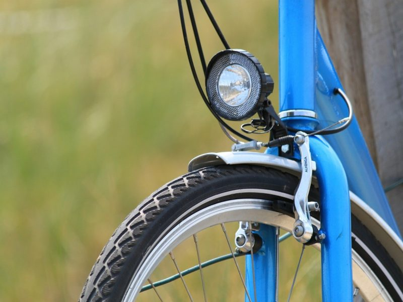 How To Install A Bike Light - Featured Image